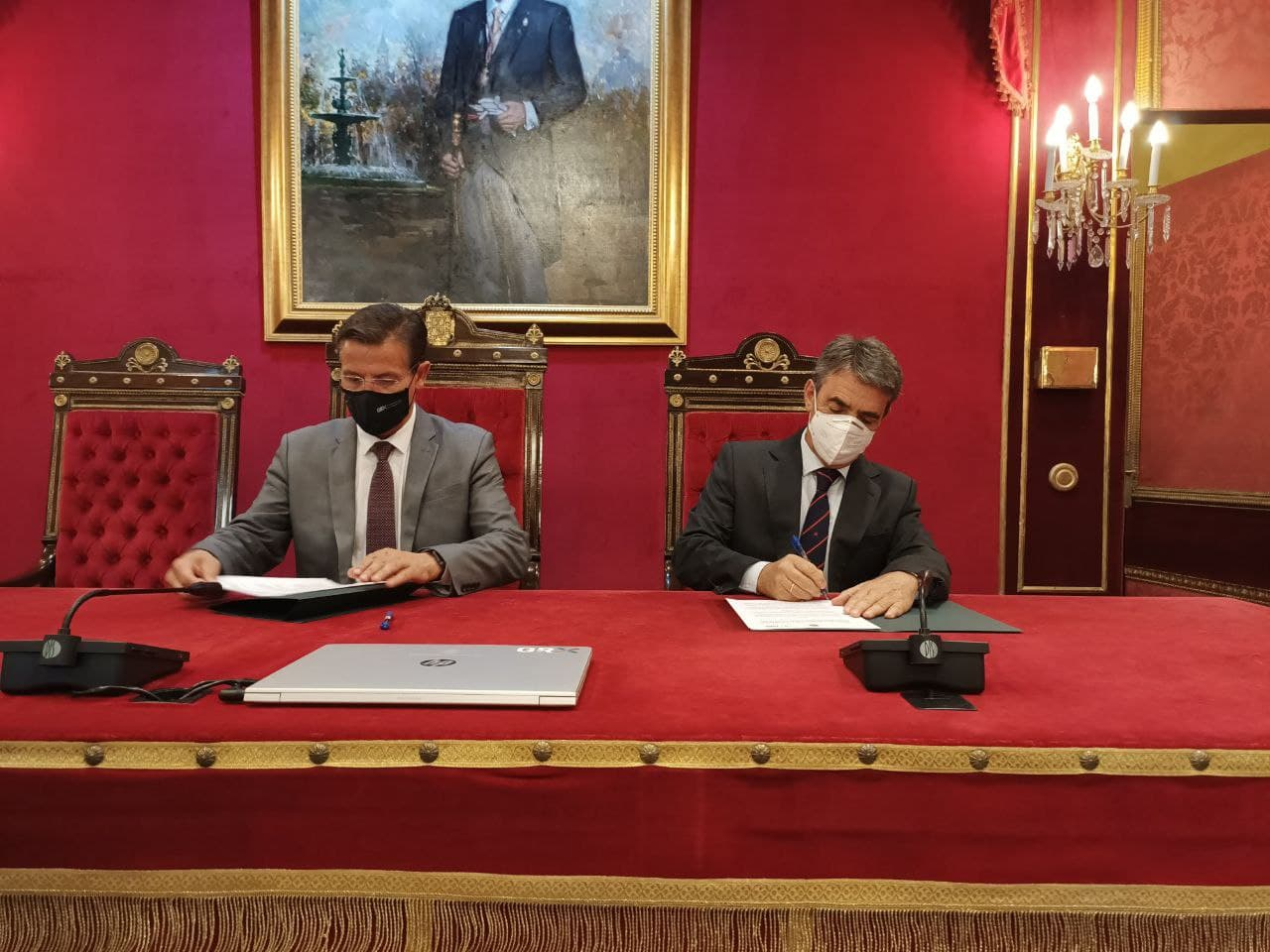 El Ayuntamiento de Granada y la FTL firman un convenio para promover la cultura taurina en la ciudad
